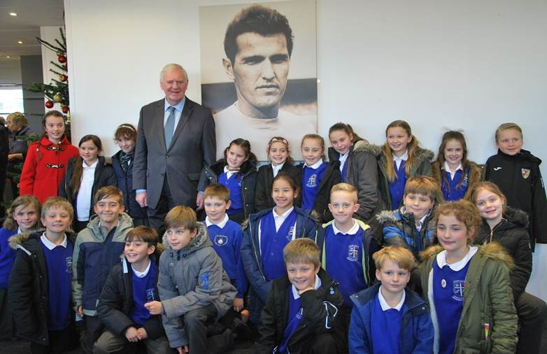 Children from St James' Primary School, West End, meet Southampton legend Lawrie McMenemey MBE, the FA Cup winning Manager of Southampton Football Club 1973-85